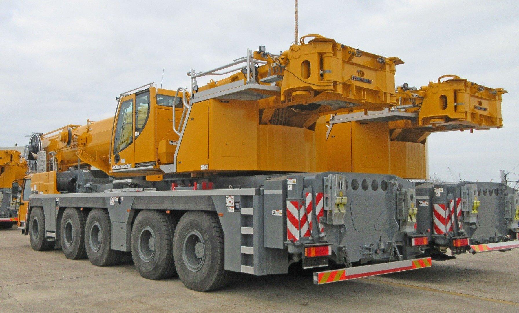Liebherr LTM 1230-5.1