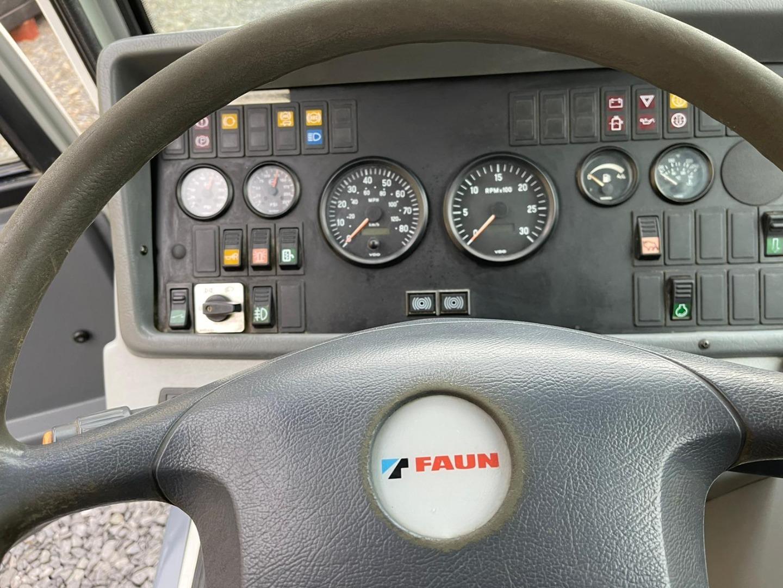 Tadano GT-900XL